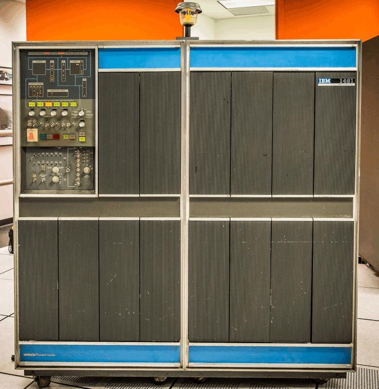 Рисунок 2. IBM 1401 (нажмите на рисунок для увеличения). См. также .