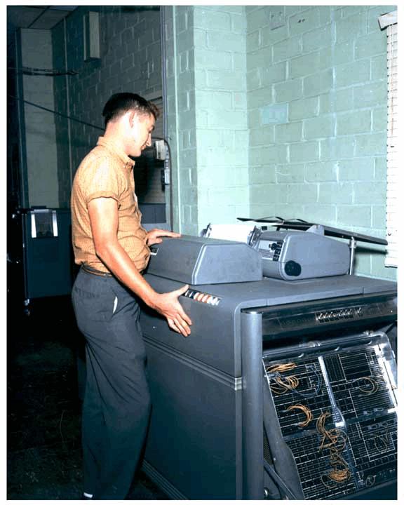 Рисунок 1. IBM 407 в Арсенале армии США в 1961 году.